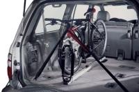 Dentro del coche con portabicis